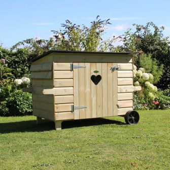 Gaggle Duck & Goose House with heart window
