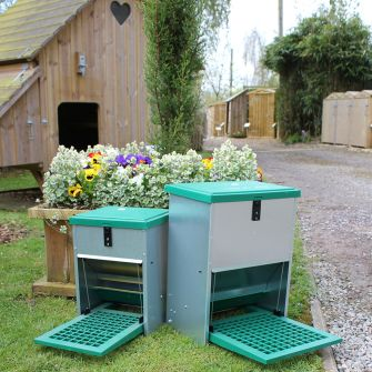 5kg and 12kg Treadle Feeders for Poultry