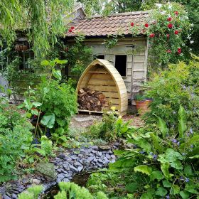 The Little Arch Log Store